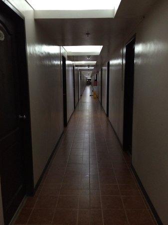 La Carmela de Boracay: Infinite corridor