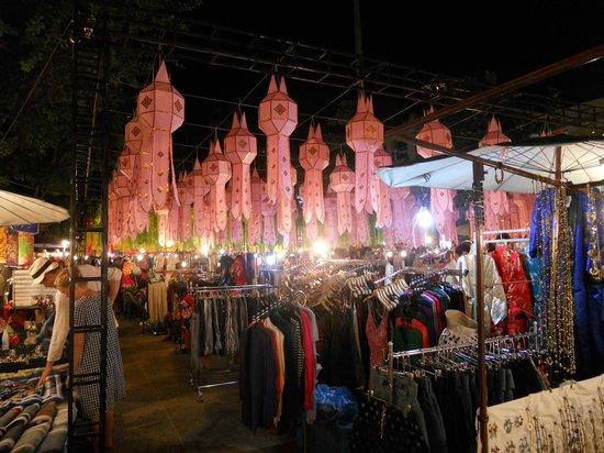 Night Bazaar: ②