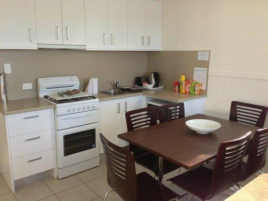 Jervis Bay Holiday Park : Kitchen