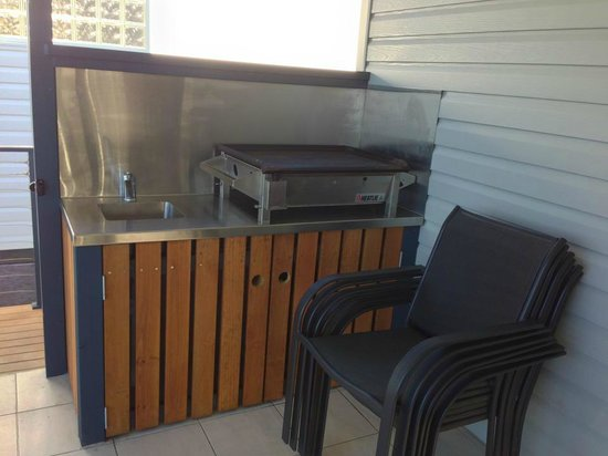 Jervis Bay Holiday Park : BBQ on our decking