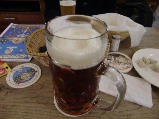 Hofbrauhaus Munchen: 1杯1Lのジョッキ