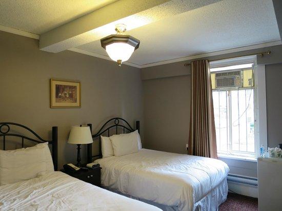 Barclay Hotel: 部屋の様子
