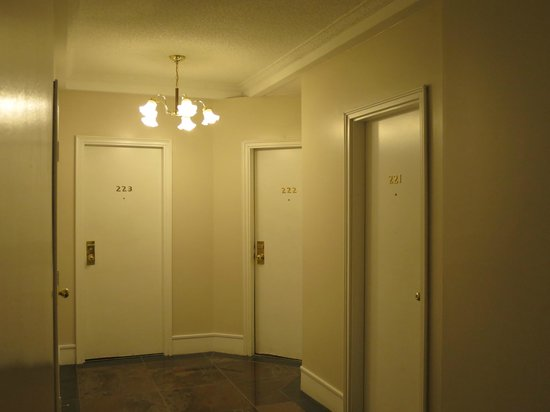 Barclay Hotel: 角部屋