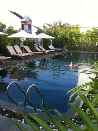 Sunshine Hotel Hoi An : pool area sunshine hotel