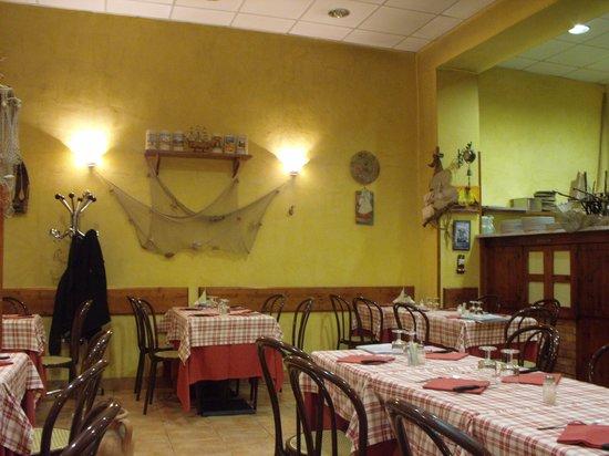 Pizzeria La Vela: excellent food!
