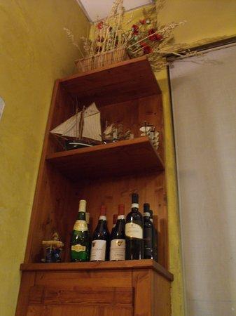 Pizzeria La Vela: good wine