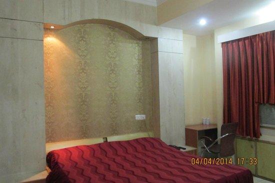 Hotel Bluemoon: Suit Room