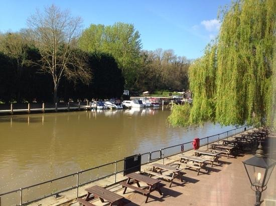Premier Inn Maidstone (Sandling) Hotel: breakfast view