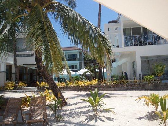 Boracay Ocean Club Beach Resort: Blick vom Strand aus