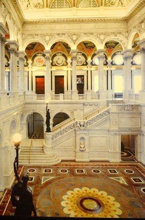 Bibliothèque du Congrès : Inside view showing staircase