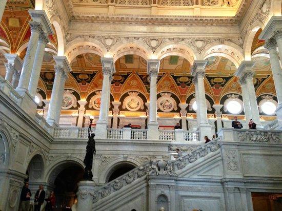 Bibliothèque du Congrès : Interior with staircase