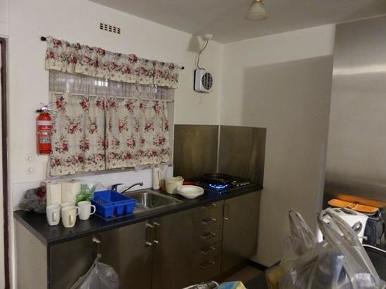 Brownelea Holiday Apartments: the little kitchen