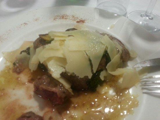 Il Braciere: Filetto zucchine rhum e grana