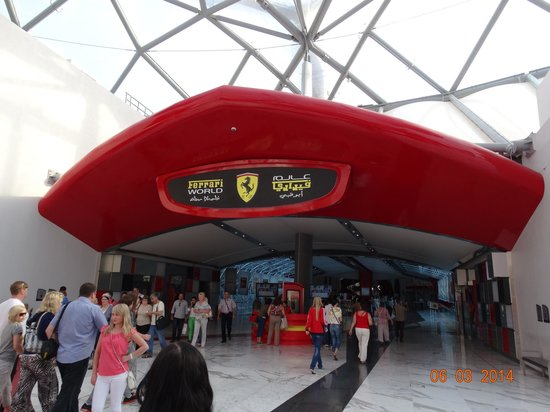 Ferrari World Abu Dhabi : Вход