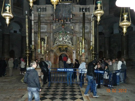 Église du Saint-Sépulcre (Jérusalem) : алтарь