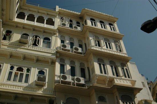 Hotel Krishna Niwas : Отель