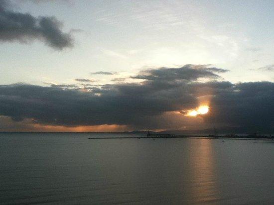Aquarius on the Beach: Sunrise from Room 1111.