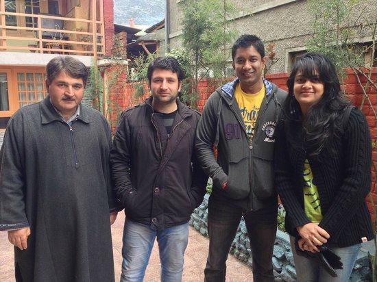 Hotel JH Bazaz (Happy Cottage): With Sarwar & Mr. Javed