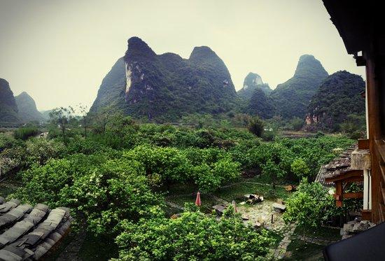 Yangshuo Phoenix Pagoda Fonglou Retreat : View from 3rd floor room