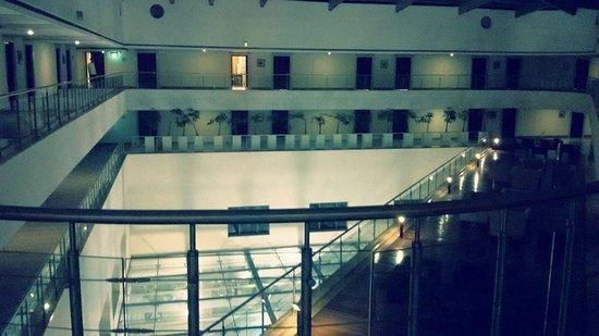 Fortune Select Metropolitan: The room lobby
