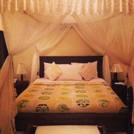 Arya Amed Beach Resort: Bedroom