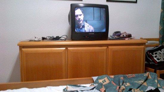 Paraiso Ten Apartments: Tv
