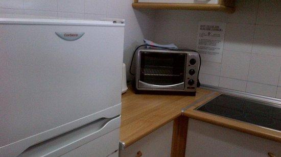 Paraiso Ten Apartments: Oven