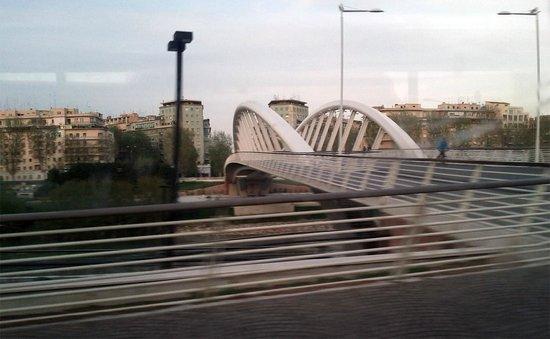 Ponte della Musica: composto da un'unica arcata lunga 190 mt. foto cecilia polidori