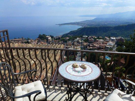 Hotel Villa Ducale: Blick auf Taormina und die Küste von Zimmer 12