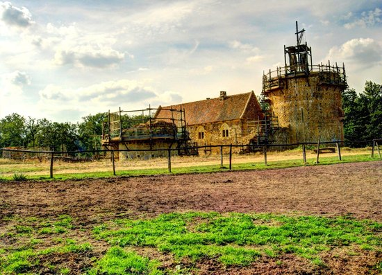Chantier Medieval de Guedelon : Castello