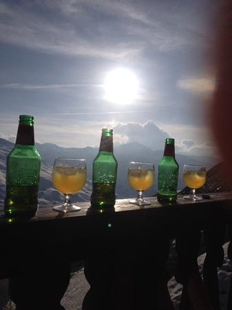 Residence Les Balcons de Val Thorens : Apres ski on the balcony
