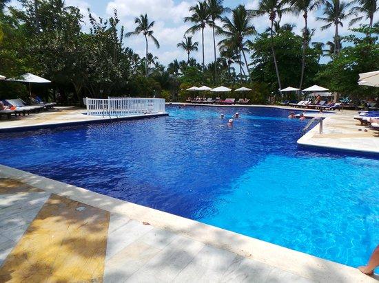 Grand Bahia Principe El Portillo : piscine