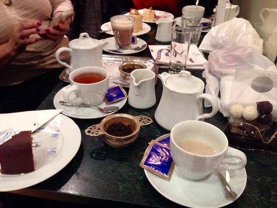 Gerstner K&K Hofzuckerbäckerei: Superb tea and cakes