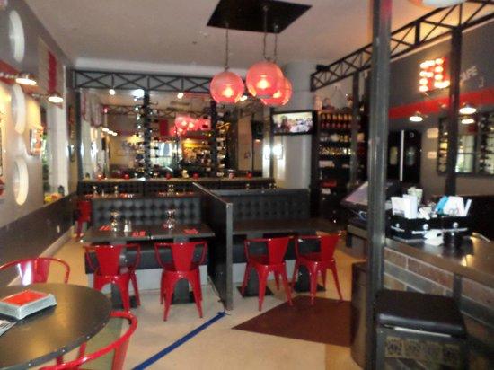 Cafe Des Arts: interieur