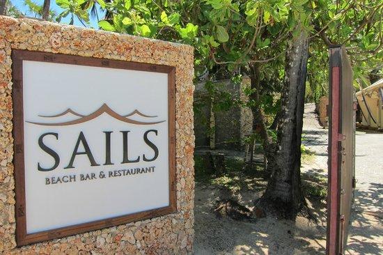 Sails Beach Bar & Restaurant: outside