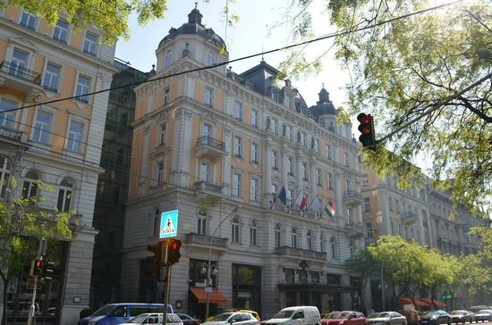 Corinthia Hotel Budapest : Exterior of the hotel