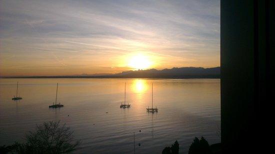 Lake Geneva Hotel : 7 am wake up view
