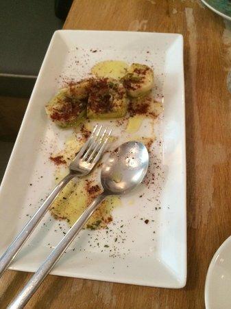 Moratin Vinoteca Bistrot : Baby artichokes with sal de cecina