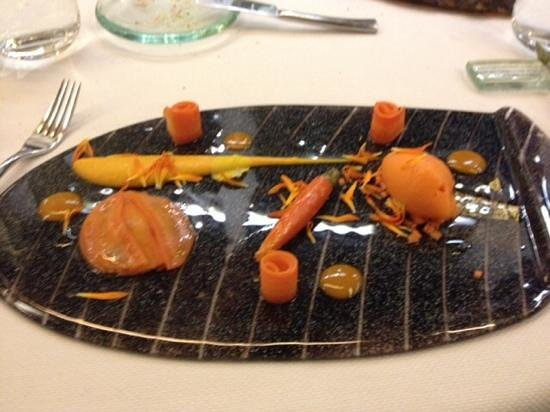 Restaurant Yoann Conte: the carrot plate