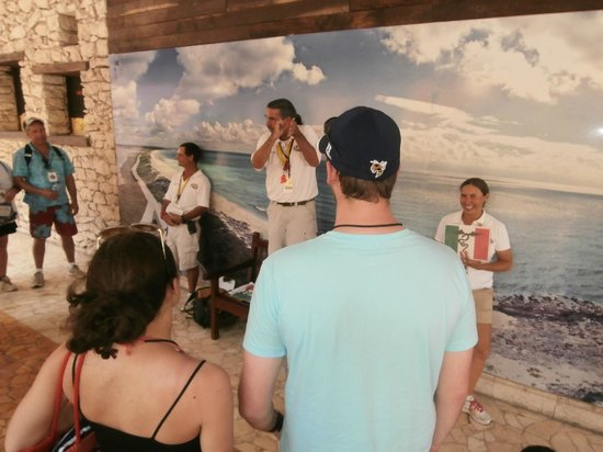 The Amazing Cozumel Race: Getting directions and gearing up!