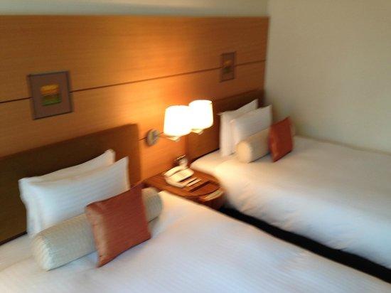 Marunouchi Hotel: beds