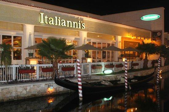 La Isla Shopping Village : 2