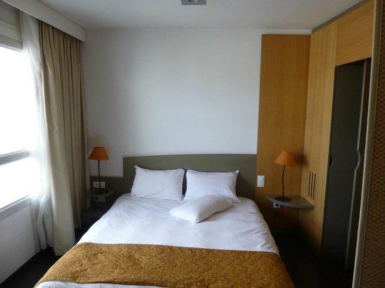 Adagio Annecy Centre : Bedroom