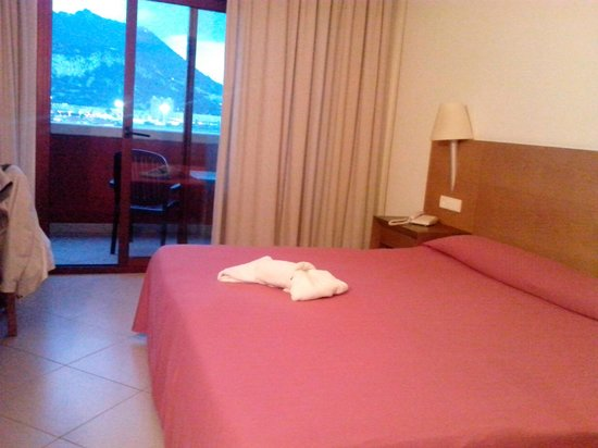 Ohtels Campo de Gibraltar: Bedroom with a view