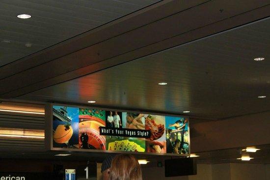 Aeropuerto Internacional McCarran: 9