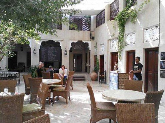 XVA Art Hotel: 中庭