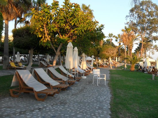 Elias Beach Hotel: Pool beach area