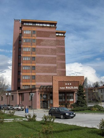 Hotel Razlog: old fashion but renovated building