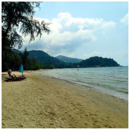 Baan Rim Nam: Clsoeby beach
