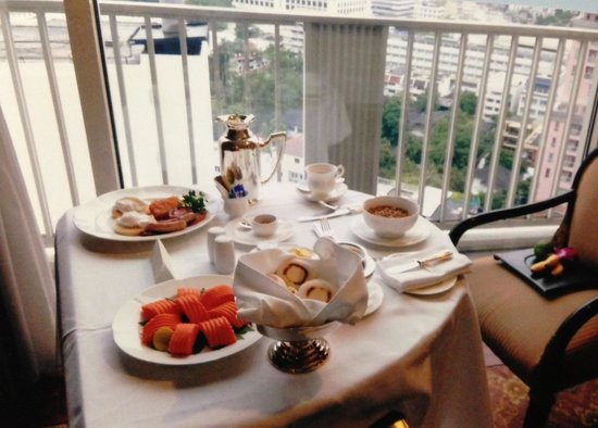 Dusit Thani Bangkok: Room Service. Breakfast. ルームサービス 朝食!